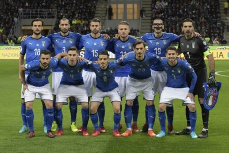 Italy's team players (from top left) Italy's midfielder Marco Parolo, Italy's defender Giorgio Chiellini, Italy's defender Andrea Barzagli, Italy's forward Ciro Immobile, Italy's defender Leonardo Bonucci, Italy's goalkeeper Gianluigi Buffon, Italy's midfielder Antonio Candreva, Italy's midfielder Matteo Darmian, Italy's midfielder Alessandro Florenzi, Italy's forward Manolo Gabbiadini and Italy's midfielder Jorginho pose prior the FIFA World Cup 2018 qualification football match between Italy and Sweden, on November 13, 2017 at the San Siro stadium in Milan. / AFP PHOTO / Miguel MEDINA