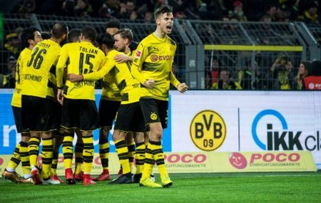 man-united-ungguli-man-city-soal-perburuan-julian-weigl-ViCh90UQ57